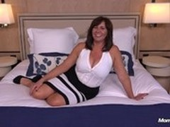 Cougar Porn, Hot MILF, Mom, milf Mom, Perfect Body Teen, Young Babe