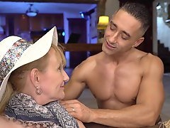 Top Milf and Young Boy Porn Videos