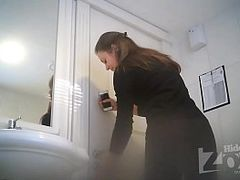 Hot Toilet Spy Xxx Clips